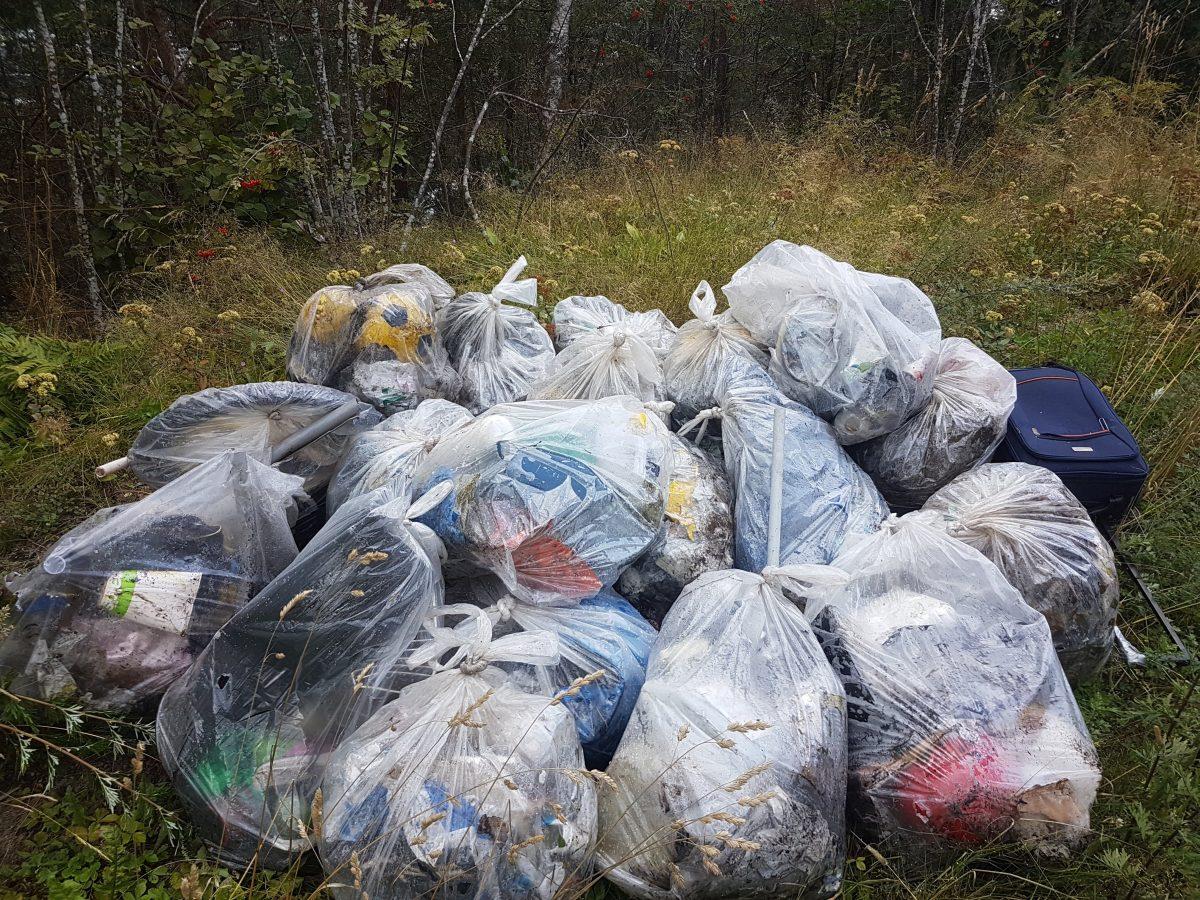 Innfør pant på plastavfall